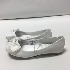 New White Flats for Girls